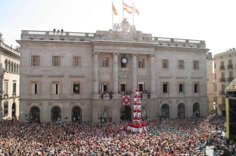 Castellers de Barcelona performing a 4d9f in Plaça Sant Jaume, Barcelona,  for La Mercè fiestas